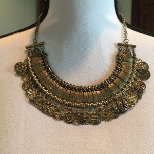 Jewelry - Antique gold necklace